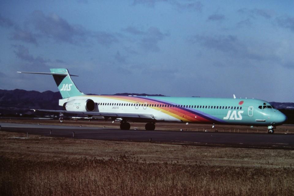 tassさんの日本エアシステム McDonnell Douglas MD-90 (JA001D) 航空フォト