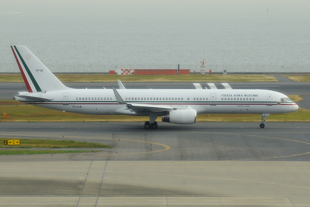 Tomo-Papaさんが、羽田空港で撮影したメキシコ空軍 757-225の航空フォト(飛行機 写真・画像)