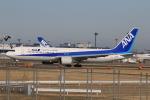 みるぽんたさんが、成田国際空港で撮影した全日空 767-381/ERの航空フォト(写真)