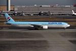 sin747さんが、羽田空港で撮影した大韓航空 777-3B5の航空フォト(写真)