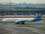kikiさんが、スワンナプーム国際空港で撮影したウクライナ国際航空 777-28E/ERの航空フォト(写真)