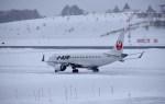 よんすけさんが、青森空港で撮影したジェイ・エア ERJ-190-100(ERJ-190STD)の航空フォト(写真)