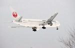 よんすけさんが、青森空港で撮影した日本航空 767-346/ERの航空フォト(写真)