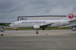 南国の防人さんが、那覇空港で撮影した日本トランスオーシャン航空 737-446の航空フォト(写真)