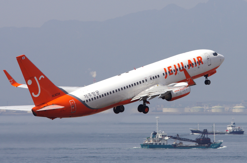 yabyanさんのチェジュ航空 Boeing 737-800 (HL8234) 航空フォト