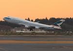 ふじいあきらさんが、成田国際空港で撮影したキャセイパシフィック航空 747-412(BCF)の航空フォト(写真)