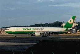 JA8589さんが、福岡空港で撮影したエバー航空 MD-11Fの航空フォト(飛行機 写真・画像)