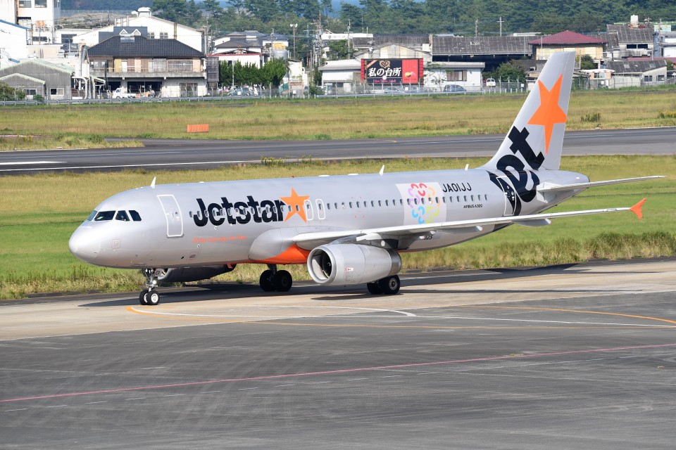 kumagorouさんのジェットスター・ジャパン Airbus A320 (JA01JJ) 航空フォト