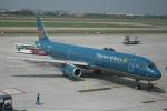 撮り空ひでさんが、ノイバイ国際空港で撮影したベトナム航空 A321-231の航空フォト(写真)