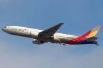 セブンさんが、新千歳空港で撮影したアシアナ航空 777-28E/ERの航空フォト(飛行機 写真・画像)