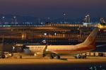 東亜国内航空さんが、関西国際空港で撮影した奥凱航空 737-8KFの航空フォト(写真)