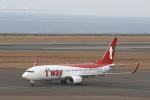 さんたまるたさんが、中部国際空港で撮影したティーウェイ航空 737-8KNの航空フォト(写真)