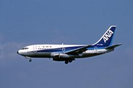 Gambardierさんが、伊丹空港で撮影した全日空 737-281/Advの航空フォト(飛行機 写真・画像)