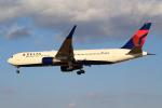 おみずさんが、成田国際空港で撮影したデルタ航空 767-332/ERの航空フォト(写真)