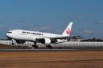 yonsuさんが、伊丹空港で撮影した日本航空 777-289の航空フォト(写真)