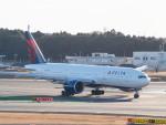 名無しの権兵衛さんが、成田国際空港で撮影したデルタ航空 777-232/LRの航空フォト(写真)