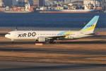 青春の1ページさんが、羽田空港で撮影したAIR DO 767-33A/ERの航空フォト(写真)