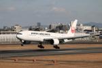 yasunori0624さんが、伊丹空港で撮影した日本航空 777-289の航空フォト(写真)