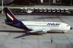 tassさんが、パリ オルリー空港で撮影したマレーヴ・ハンガリー航空 737-2T5/Advの航空フォト(写真)