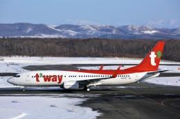 にしやんさんが、新千歳空港で撮影したティーウェイ航空 737-8KNの航空フォト(写真)