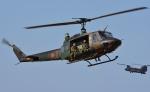 青い翼に鎧武者マークの!さんが、習志野演習場で撮影した陸上自衛隊 UH-1Jの航空フォト(写真)