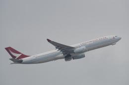 神宮寺ももさんが、香港国際空港で撮影したキャセイドラゴン A330-342の航空フォト(写真)