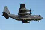 350JMさんが、厚木飛行場で撮影したアメリカ海兵隊 KC-130J Herculesの航空フォト(写真)