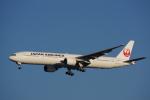 JA8037さんが、羽田空港で撮影した日本航空 777-346の航空フォト(写真)