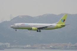 神宮寺ももさんが、香港国際空港で撮影したジンエアー 737-86Nの航空フォト(写真)