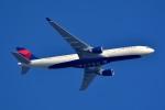 トロピカルさんが、羽田空港で撮影したデルタ航空 A330-302の航空フォト(写真)