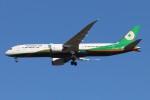 青春の1ページさんが、成田国際空港で撮影したエバー航空 787-9の航空フォト(写真)