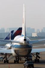 485k60さんが、羽田空港で撮影したアメリカ空軍 VC-25A (747-2G4B)の航空フォト(写真)