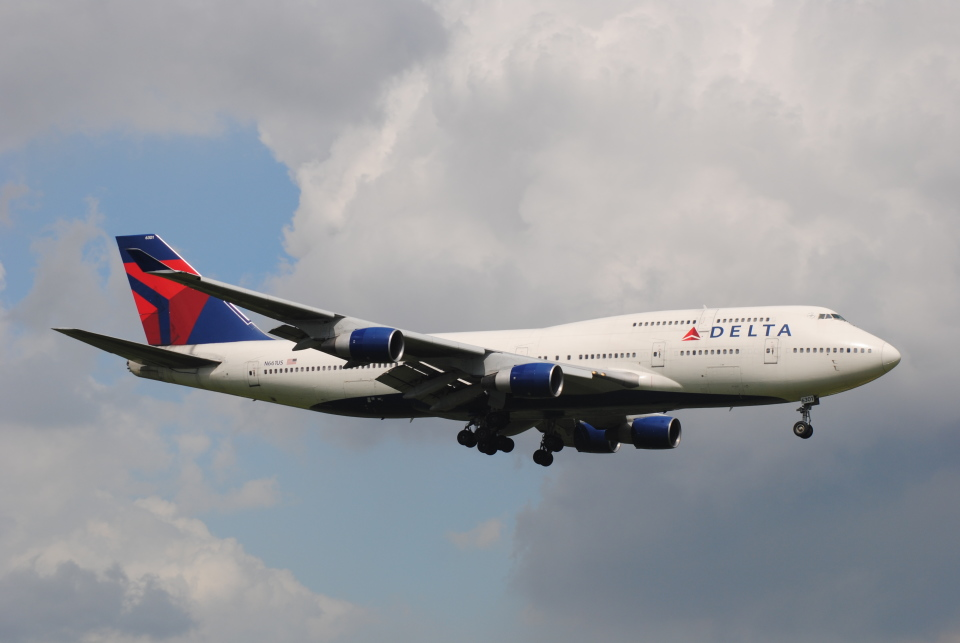 LEGACY-747さんのデルタ航空 Boeing 747-400 (N661US) 航空フォト