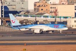 たーぼーさんが、羽田空港で撮影したトゥイ・エアウェイズ 757-236の航空フォト(写真)