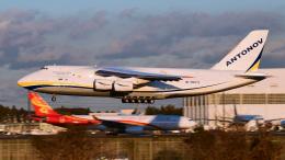 パンダさんが、成田国際空港で撮影したアントノフ・エアラインズ An-124-100 Ruslanの航空フォト(写真)