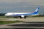 ハミングバードさんが、富山空港で撮影した全日空 767-381の航空フォト(写真)