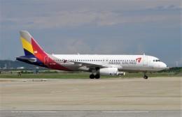 ハミングバードさんが、富山空港で撮影したアシアナ航空 A320-232の航空フォト(飛行機 写真・画像)