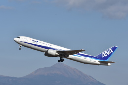 ワイエスさんが、鹿児島空港で撮影した全日空 767-381/ERの航空フォト(写真)