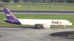 誘喜さんが、シンガポール・チャンギ国際空港で撮影したフェデックス・エクスプレス 757-236(SF)の航空フォト(写真)