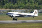 デデゴンさんが、熊本空港で撮影したスーパーコンステレーション飛行協会 DC-3Aの航空フォト(写真)