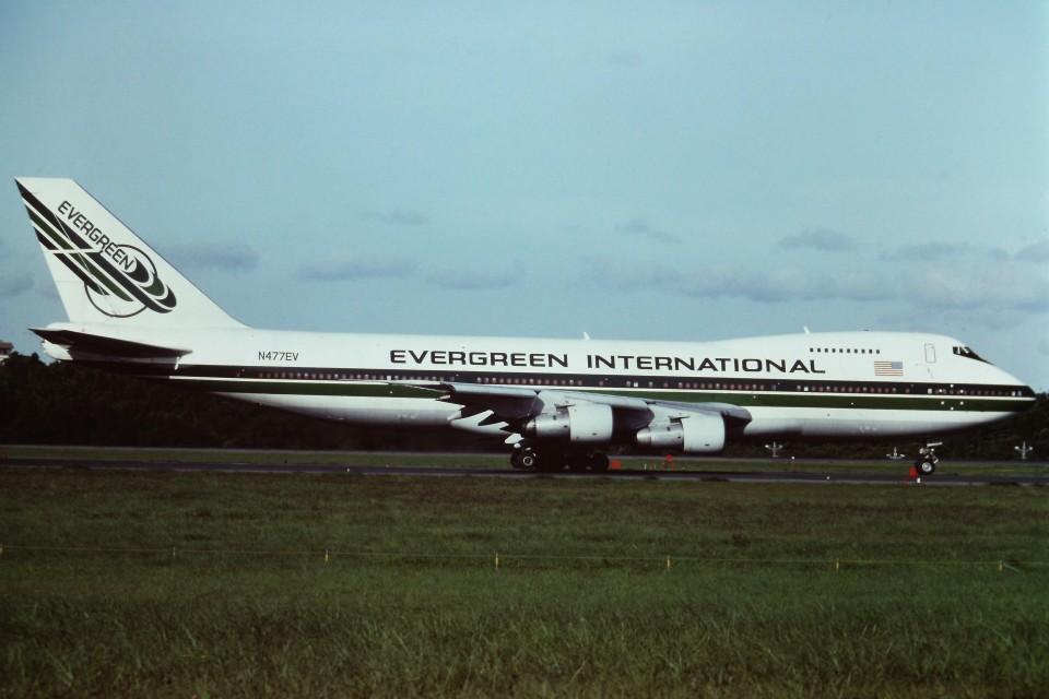 tassさんのエバーグリーン航空 Boeing 747SR (N477EV) 航空フォト