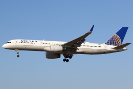 航空フォト:N13110 ユナイテッド航空 757-200