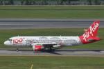 安芸あすかさんが、シンガポール・チャンギ国際空港で撮影したエアアジア A320-216の航空フォト(写真)