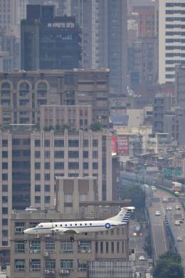 rail_airlineさんが、台北松山空港で撮影した中華民国空軍 1900Cの航空フォト(写真)