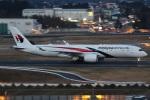 camelliaさんが、成田国際空港で撮影したマレーシア航空 A350-941XWBの航空フォト(写真)
