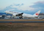 FRTさんが、伊丹空港で撮影した日本航空 777-289の航空フォト(飛行機 写真・画像)