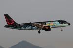 ぼんやりしまちゃんさんが、バルセロナ空港で撮影したブリュッセル航空 A320-214の航空フォト(写真)