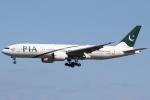 sky-spotterさんが、成田国際空港で撮影したパキスタン国際航空 777-240/ERの航空フォト(写真)