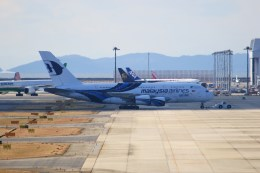 ガス屋のヨッシーさんが、関西国際空港で撮影したマレーシア航空 A380-841の航空フォト(写真)