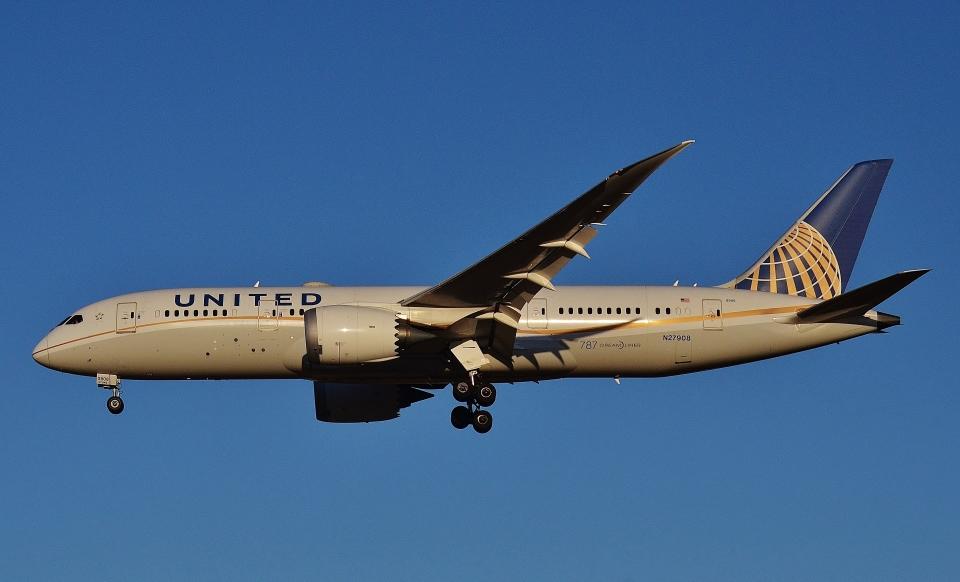 鉄バスさんのユナイテッド航空 Boeing 787-8 Dreamliner (N27908) 航空フォト